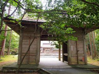 P5040119若狭彦神社神門.jpg