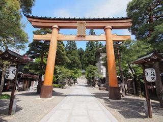 P5180360桜山八幡宮鳥居.jpg