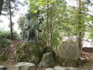 P5228873立石寺芭蕉像.jpg