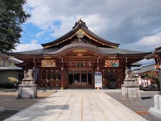 P5239025諏訪神社拝殿.jpg