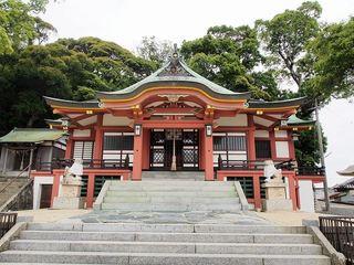 P6010372由良湊神社拝殿.jpg